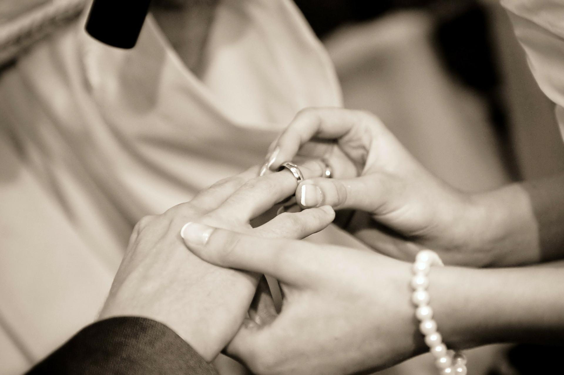 Individuelle Hochzeitseinladungen erstellen