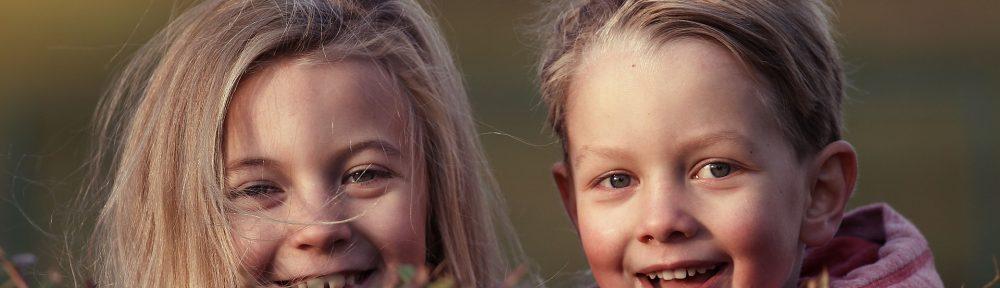 Kinder einer Montessori Schule